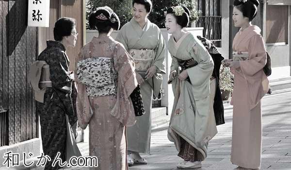 和服の女性たち